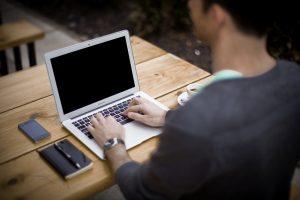 blogging-336376_640
