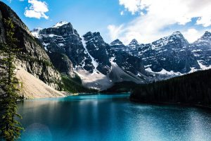 moraine-lake-1718082_640