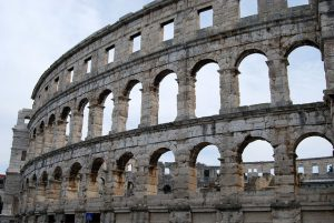 the-coliseum-1658372_640